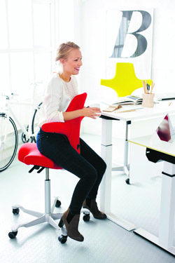 Sit Stand Office Chair HAG Capisco 8106 great chair for those with coccyx problems
